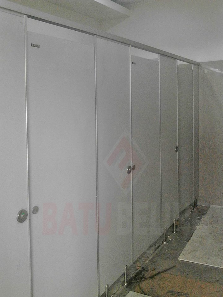 Cubicle Toilet - Phenolic Resin di Probolinggo