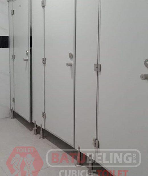 cubicle toilet universitas palangkaraya